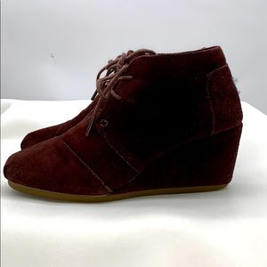 Toms Wedged Suede Ankle Bootie Brown size 8